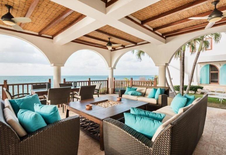 Villa Black Pearl, Shoal Bay, Balcony