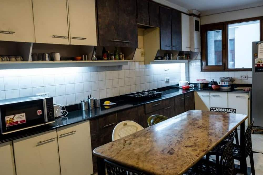 Superior 8-Bed Dormitory - Shared kitchen
