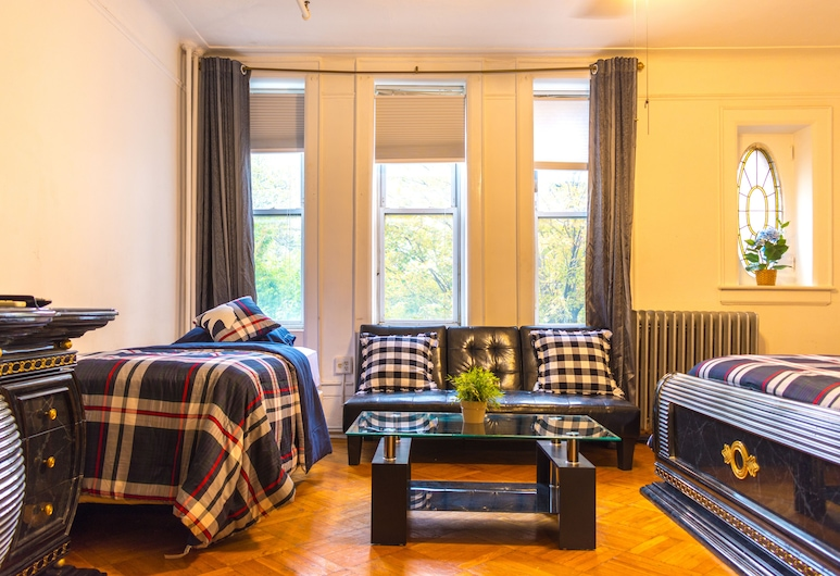 Cozy & Clean Guest House , Brooklyn, Room (4), Street View