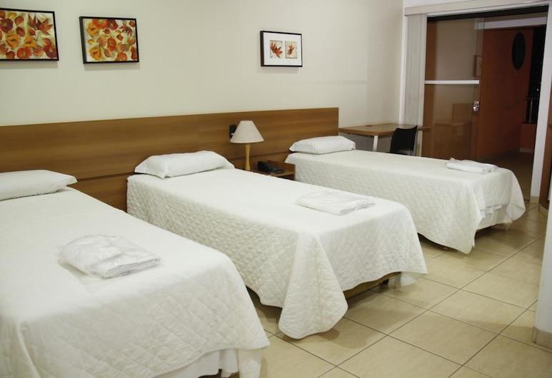 ブリチ ホテル, ジャタイ, スタンダード トリプルルーム, 部屋