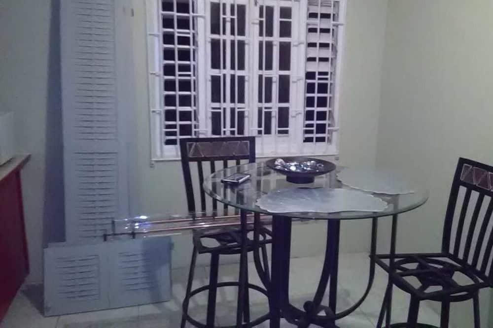 Σπίτι σε Συγκρότημα Κατοικιών, 2 Υπνοδωμάτια - Γεύματα στο δωμάτιο