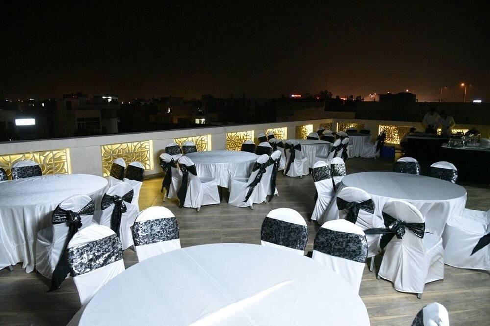 אזור חתונה בחוץ