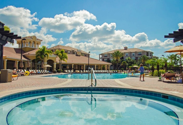 Fresh and Remodeled in Vista Cay! Townhome - 3br/3.5ba 3vc045, Orlando, Pool