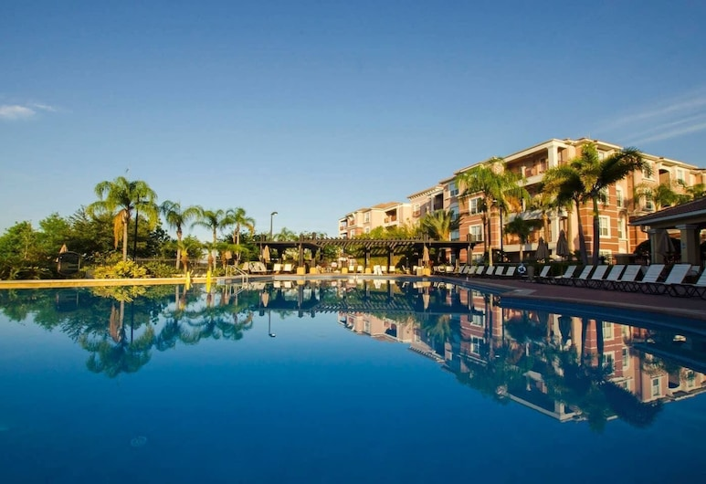 Stylish and Contemporary Vista Cay Hideaway - Lake View 3bd/2ba #3vc4126, Orlando, Pool
