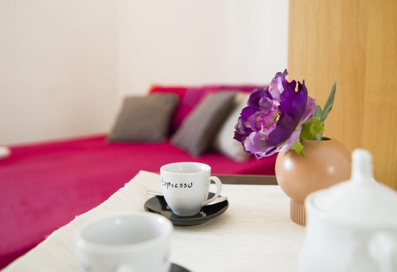 Santa Maria Novella Flat, Florence, Apartment, 1 Bedroom, Room