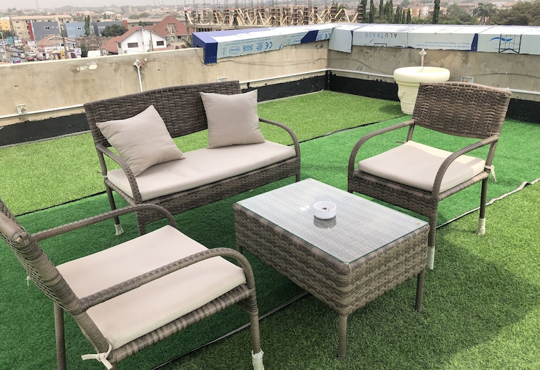 Euro Homes Hotel, Accra, Terrace/Patio