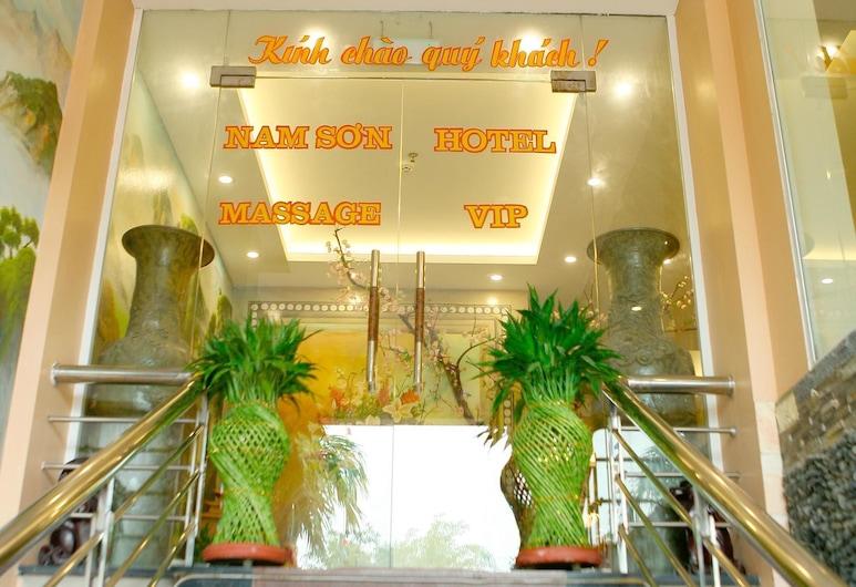 Nam Son Hotel, Hanoi, Wejście do hotelu