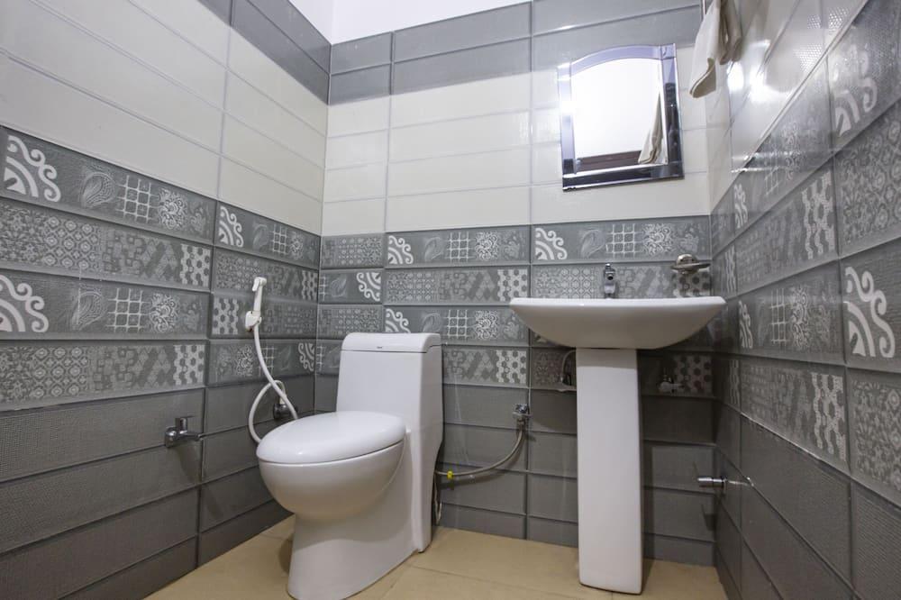 Balcony Room - Bathroom