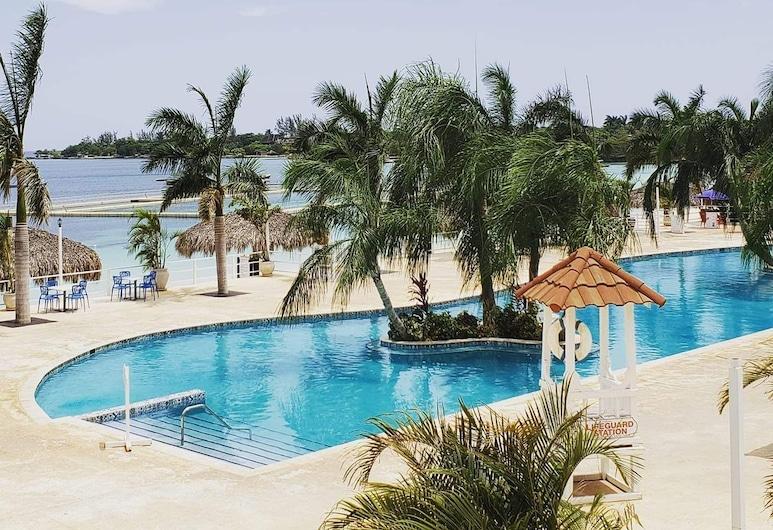 Sophia's Vacation Home , Runaway Bay, Pantai
