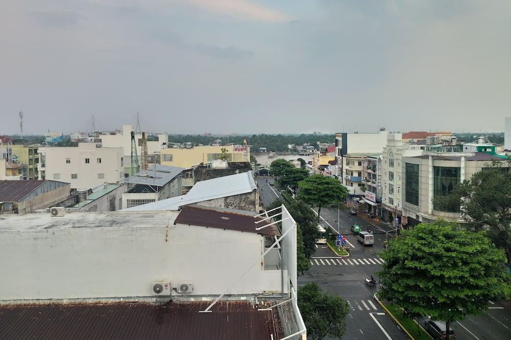 Tremannsrom, badekar - Utsikt mot byen