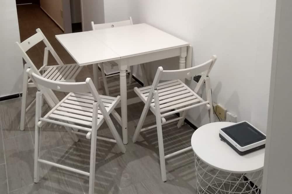 Elite Double Room (Room 4) - Living Area