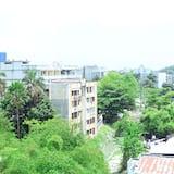 Luxury Room - City View