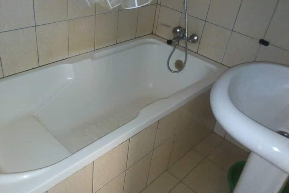 Номер з 2 односпальними ліжками - Глибока ванна