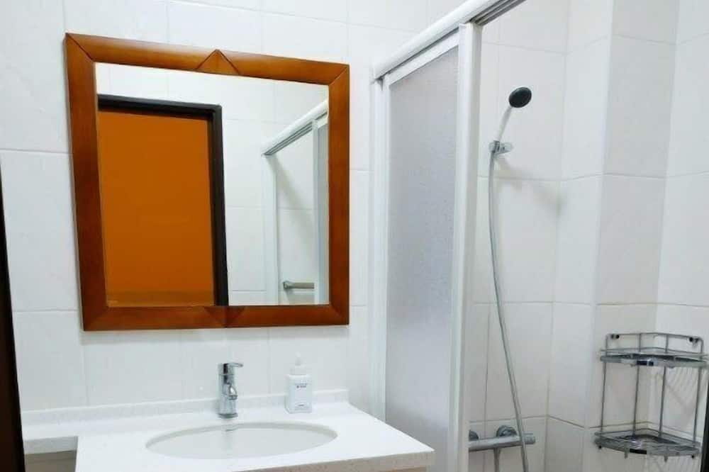 溫馨四人房 - 浴室