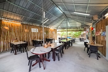 Picture of OYO 89374 Ohana Restaurant & Homestay in Sitiawan