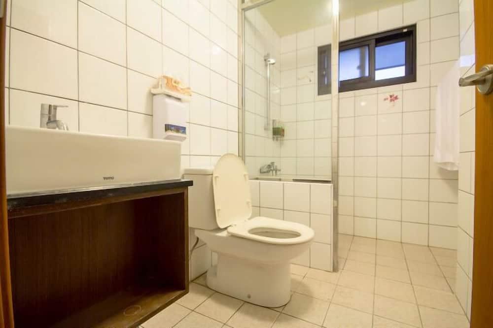 101雙人房 (共用衛浴) - 浴室