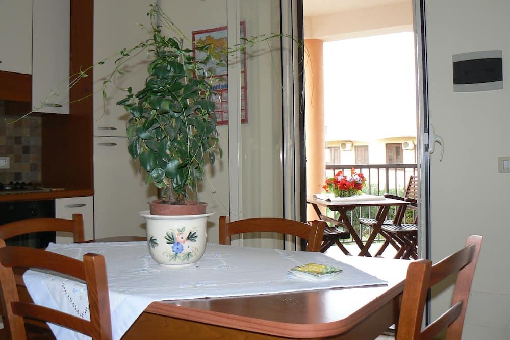 Standardní apartmán, 2 ložnice - Stravování na pokoji