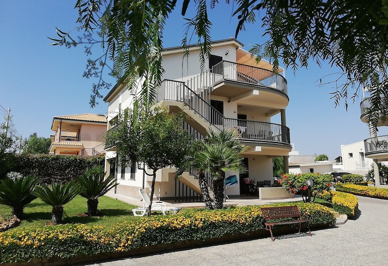 Il Melograno Residence, Noto, Front of property