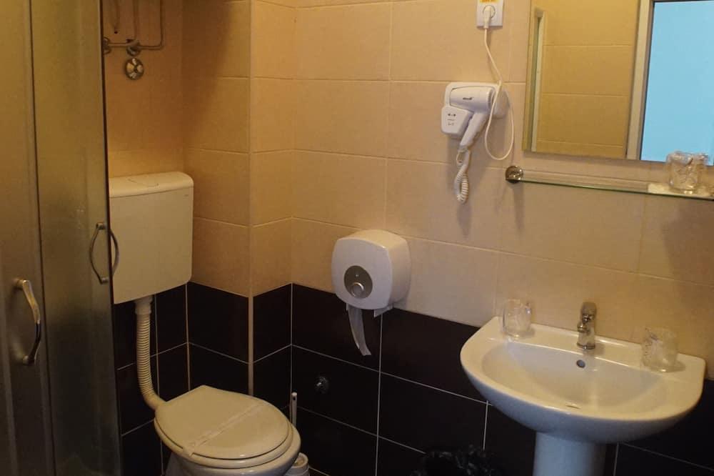 Phòng đôi phong cách cổ điển - Phòng tắm