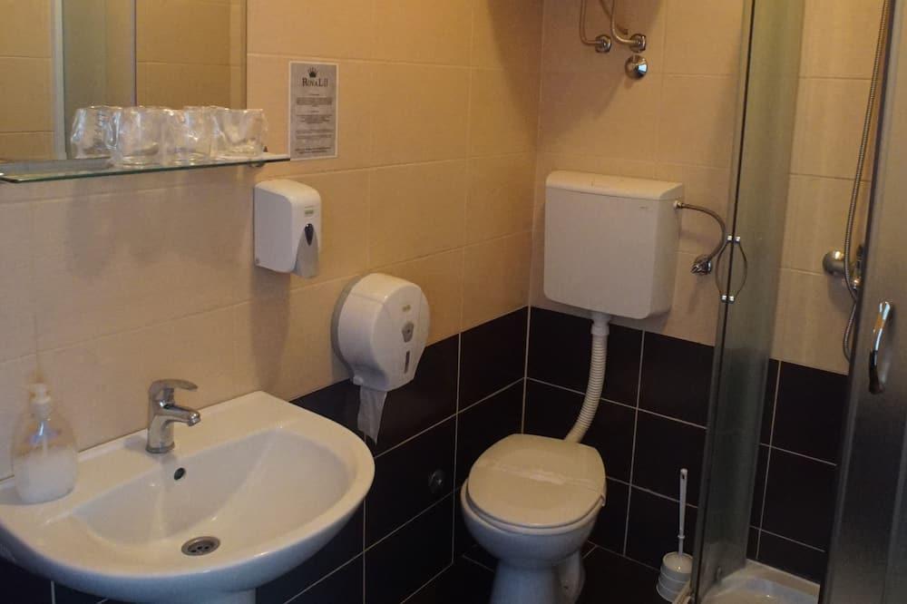 Phòng 3 phong cách cổ điển - Phòng tắm