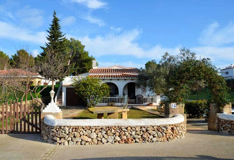 Villa With 3 Bedrooms in Puerto Luz, With Private Pool and Furnished Garden - 2 km From the Beach, Mercadal, Naktsmītnes teritorija