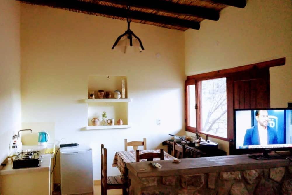 Familienhaus, 2Schlafzimmer, Terrasse (CZ) - Essbereich im Zimmer