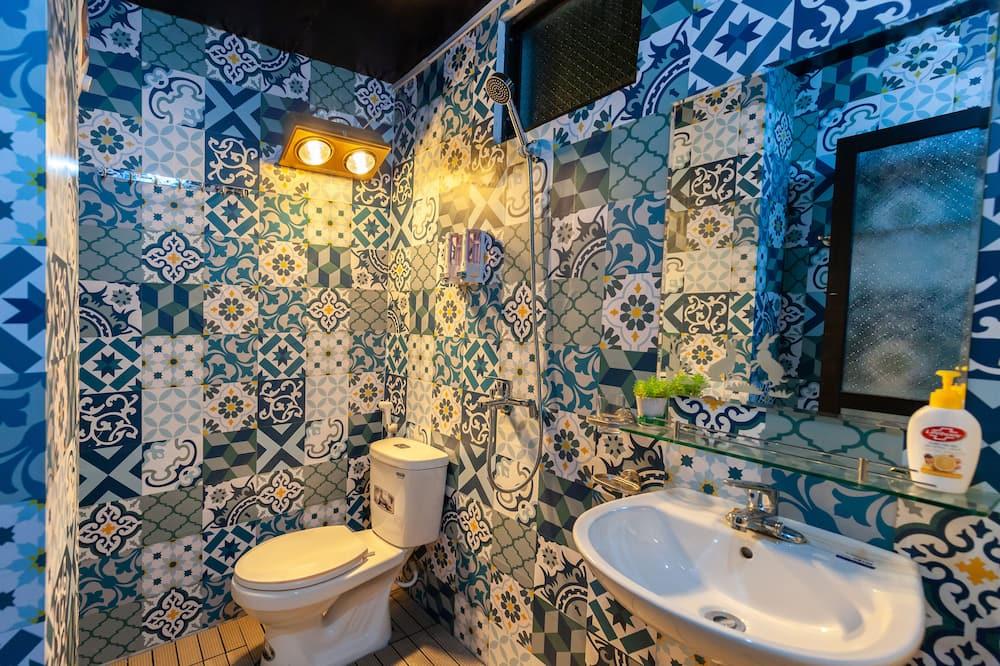 Keturvietis kambarys šeimai - Vonios kambarys