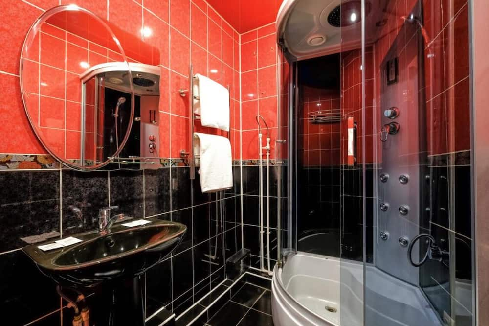 Comfort Τρίκλινο Δωμάτιο - Ντουζιέρα μπάνιου