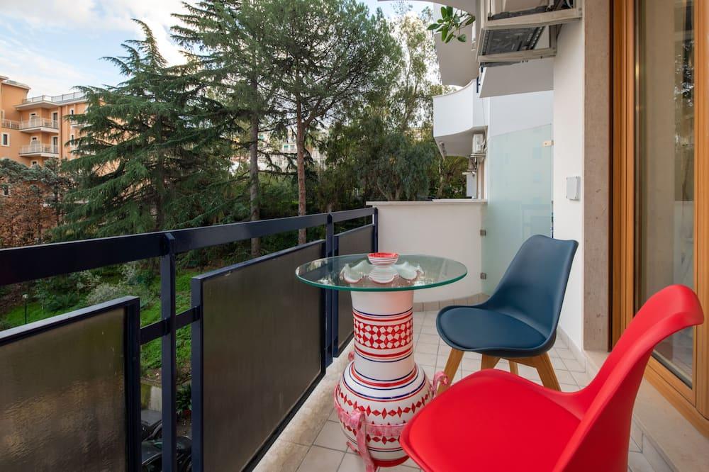 Стандартний номер (1 двоспальне або 2 односпальних ліжка), 1 ліжко «квін-сайз», з балконом (Rombo) - Балкон