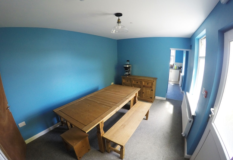 The Chapel House Hostel, Swansea, Lobby Sitting Area
