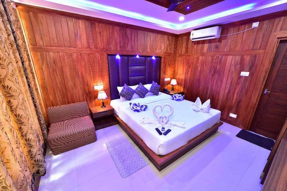 Standard Room, 1 Queen Bed, Garden View - Living Room