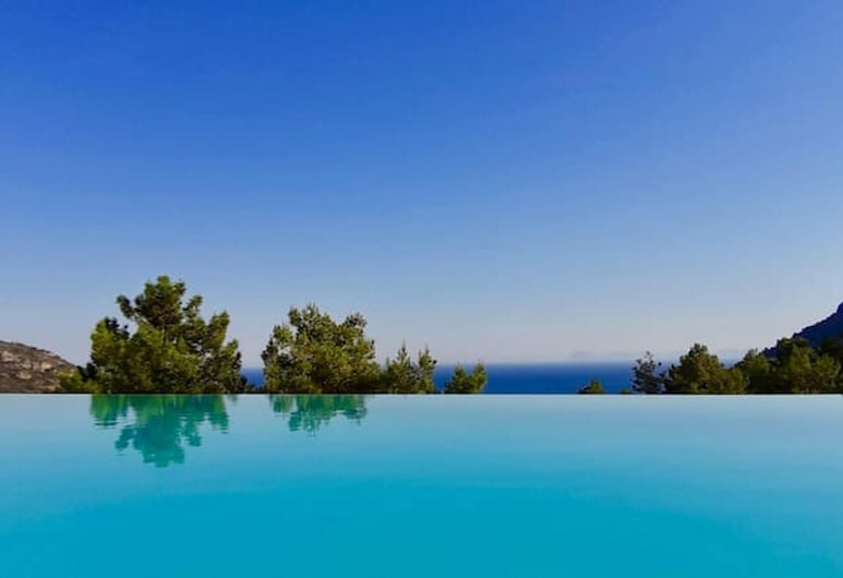 Villa With 5 Bedrooms in Datça, With Wonderful sea View, Private Pool, Enclosed Garden - 2 km From the Beach, Datca, Pool