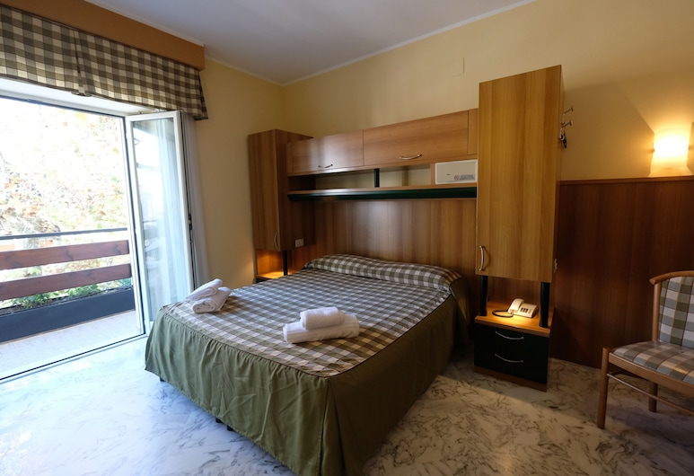 Hotel Pescofalcone, Caramanico Terme, Double Room, Guest Room