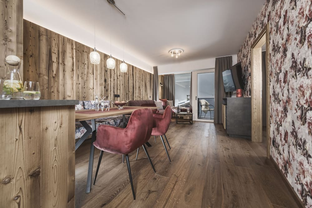 Apartman, pogled na planinu (Bordeaux) - Dnevni boravak