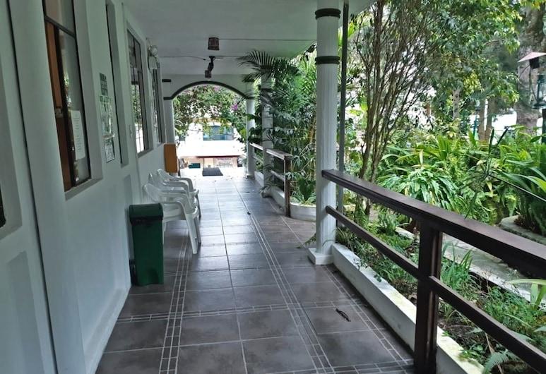 El Pedron Hotel, Baños de Agua Santa, Terrace/Patio