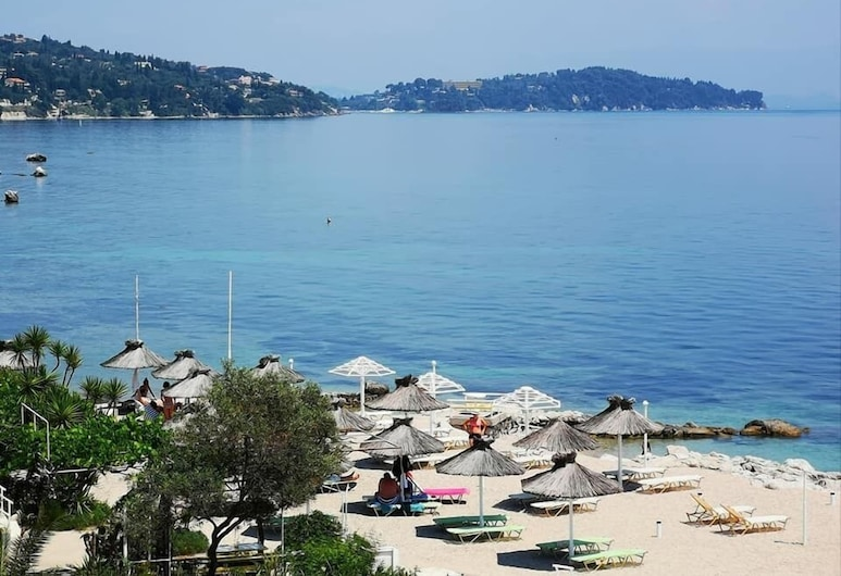 Nikoli Apartments, Corfu, Beach