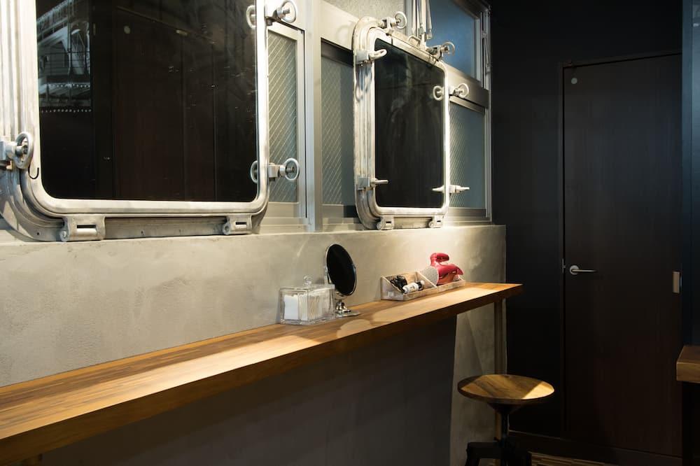 Superior szoba, kizárólag nők számára (Capsule) - Fürdőszoba