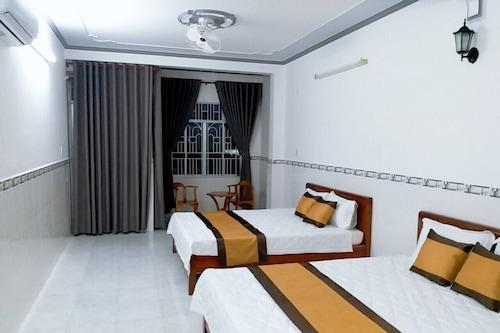 薩邁圖哈酒店/