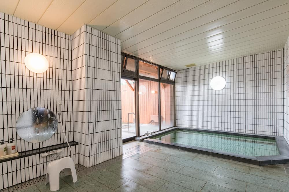 Традиционный трехместный номер, общая ванная комната (Japanese Style) - Ванная комната
