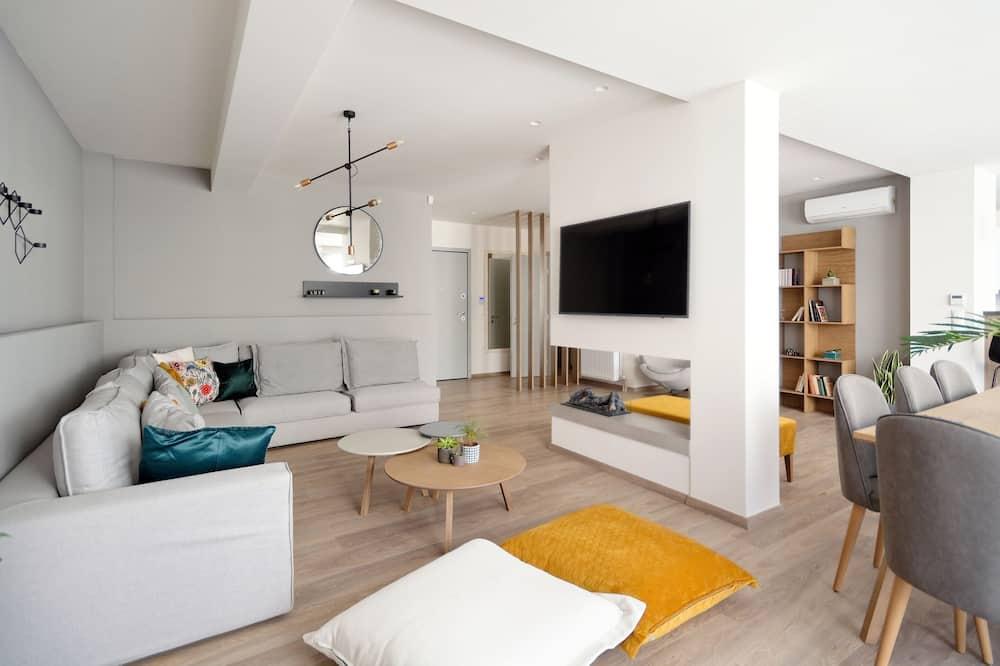 Liukso klasės apartamentai, 4 miegamieji, balkonas - Svetainė