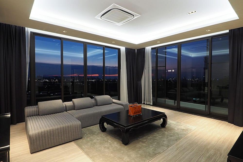 Luxury Apartment - Ruang Tamu
