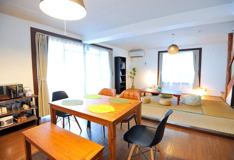 Sou Inn Motobu, Motobu, Family Bungalov, Oturma Odası