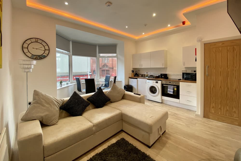 Princess Theatre Town Centre One Bed (A4) - Living Room