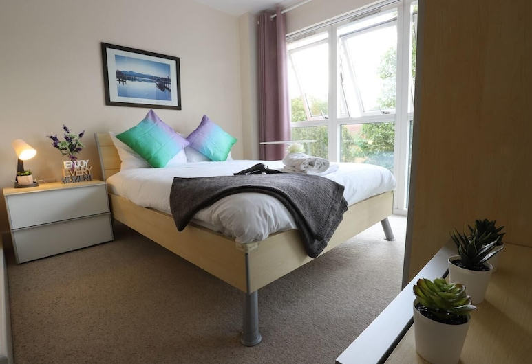 Cube Mailbox City Walk Garden View, Birmingham, Premier Apartment, Room