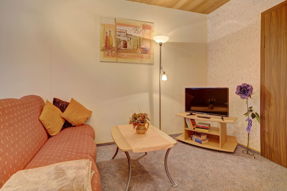 Apartment, Balcony (A, 38m2, 2 people) - Living Area