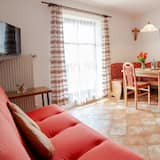 Apartment, 2 Bedrooms, Balcony (B, 75m2, 5 people) - Living Area