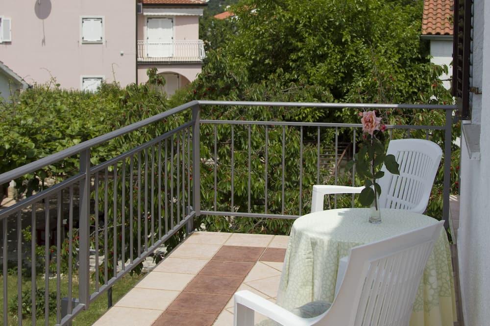 Lägenhet - balkong - utsikt mot trädgården (1) - Balkong
