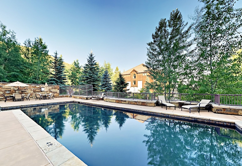 New Listing! The Valley: Luxe Ski-in/ski-out 3 Bedroom Condo, Avon, Condo, 3 Bedrooms, Pool