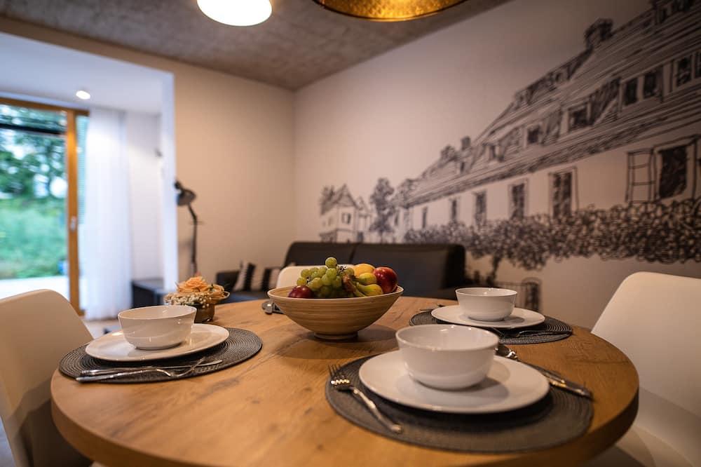 Departamento de diseño, terraza (1) - Servicio de comidas en la habitación