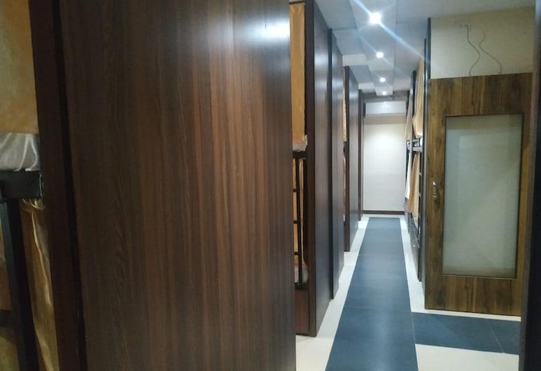 Almas Dormitory Andheri, Bombay, Deluxe Ortak Ranzalı Oda, Oda